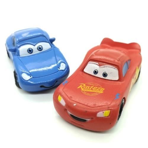 DeKora  - Dekorative Figur - Cars - McQueen + Sally